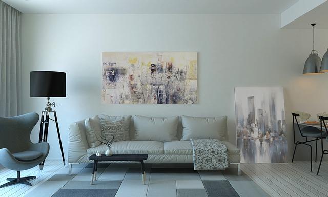 bílé pohovky, obrazy, obývák