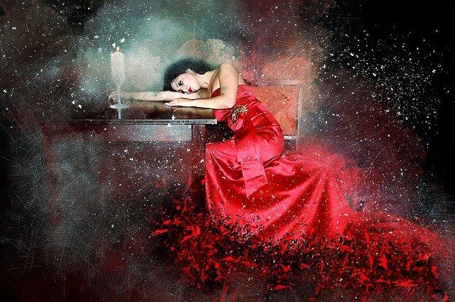 rudé šaty